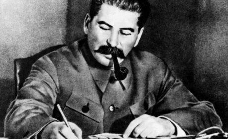 Józef Stalin pyknął fajeczkę